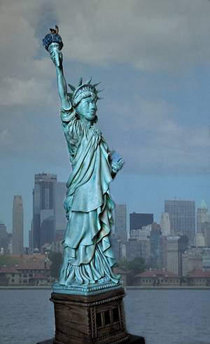 The Statue of Liberty - Wonders of the World Challenge - Cake by Sandra Smiley