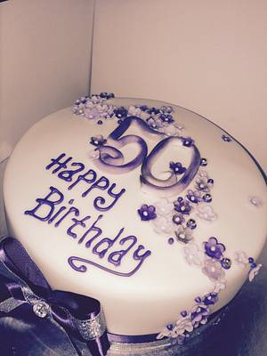 Purple shades - Cake by Kellyscreativecakes