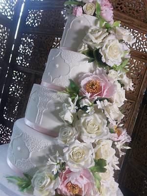 Romantic Wedding Cake - Cake by Calli Creations