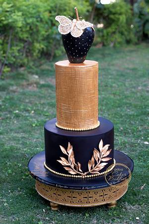 Caker Buddies collaboration-Oh so metallic  - Cake by SugarLove at Bubzy's Bakehouse