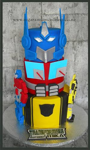 Transformers Cake for Autobot MIKAEL - Cake by Mel_SugarandSpiceCakes