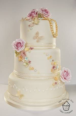 Vintage Wedding Cake - Cake by Yellow Bee Sugar Art by Vicky Teather