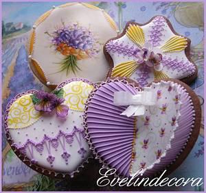 Violet cookies - Cake by Evelindecora