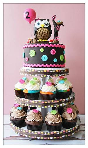 Owl cake / cupcake tower - Cake by BloomCakeCo