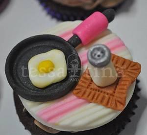 Sunnyside - Cake by tessatinacakes