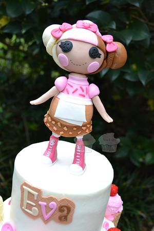 Scoops Waffle Cone - Cake by Susan