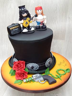 Slash Hat Guns & Roses cake - Cake by Elizabeth Miles Cake Design