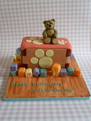 Little Charley Bear - Cake by suzannahscakes
