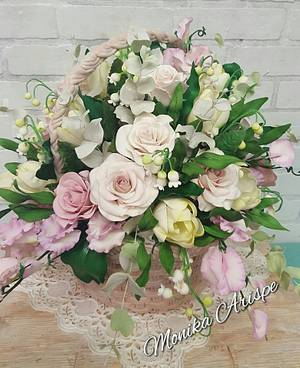 Flower Basket - Cake by Monika Arispe