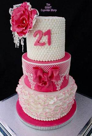 Lace & Pearls - Cake by Amelia Rose Cake Studio
