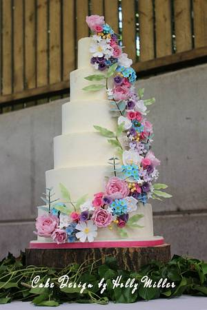Country garden wedding - Cake by Holly Miller