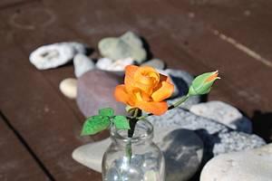 Miniature Sugar Roses.  - Cake by Julz Pilkington