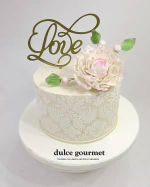 Wedding cake with peony - Cake by Silvia Caballero