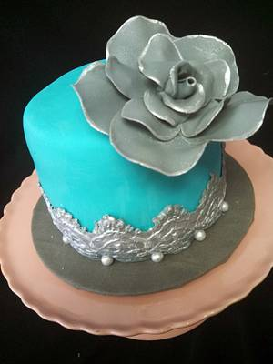 Silver Rose - Cake by Elyse Rosati