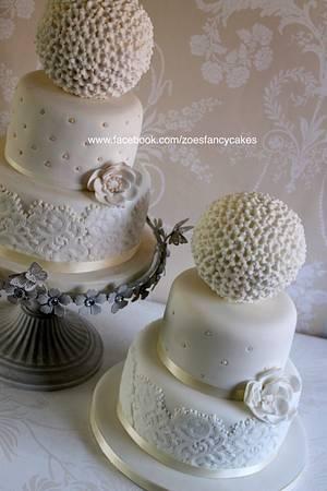 Cute little wedding cake - Cake by Zoe's Fancy Cakes