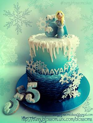 Frozen Ombre Ruffles cake with cookies - Cake by BunnyBlossom