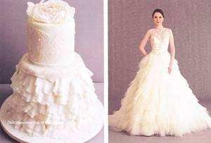 Wedding dress cake - Cake by Francesca Belfiore Dolcimaterieprime