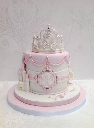 Fit for a Princess  - Cake by Samantha's Cake Design