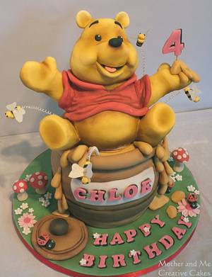 Pooh Bear - Cake by Mother and Me Creative Cakes