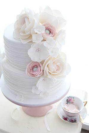 Hues of pink - Cake by Cakes2Kreate