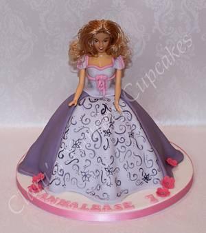 My first doll cake - Cake by ClarasYummyCupcakes