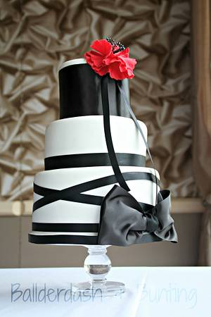 'The Cleve' - Cake by Ballderdash & Bunting