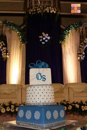 Blue Velvet - Cake by Gwen Lobo