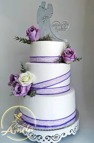 Elegant purple roses wedding cake - Cake by Torte Amela
