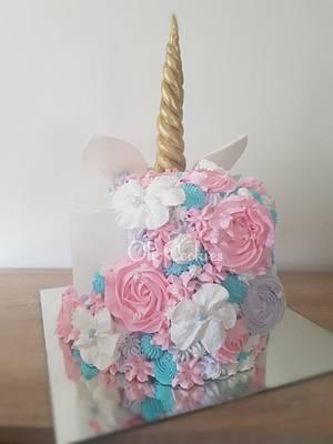 Unicorn  - Cake by Olivera Vlah