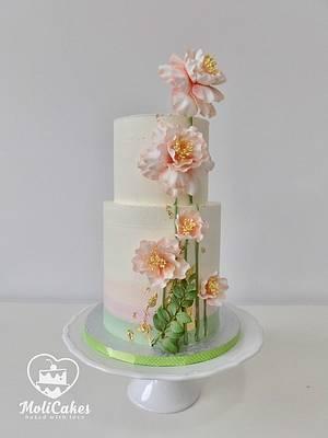 Cream wedding cake  - Cake by MOLI Cakes