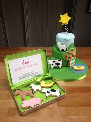 Farmyard Cake and Cookies - Cake by BeaisforBaking
