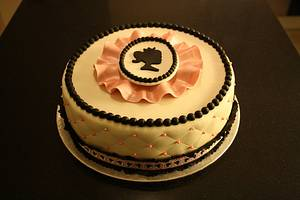 Cameo topper and cameo ribbon - Cake by Roos Simbula