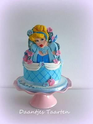Cinderella - Cake by Daantje