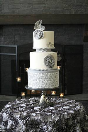 Shard Scripts of Love - Cake by Beau Petit Cupcakes (Candace Chand)