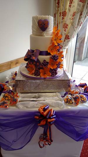 Its all about Bow - Cake by Cakes by Nina Camberley