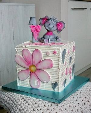 Birthday cake - Cake by lamps