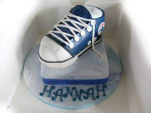 converse trainer cake - Cake by Enchanting Cupcakes hobby cakes