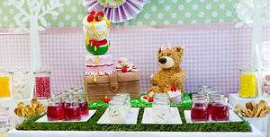 Teddy Bears Picnic - Cake by CalamityCakes