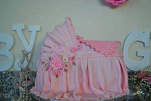 Baby Bassinet Cake for a Girl - Cake by Lea's Sugar Flowers