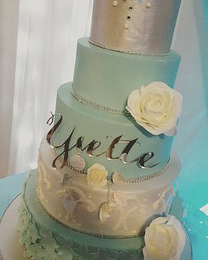 Quinceañera - Cake by Dolcetto Cakes