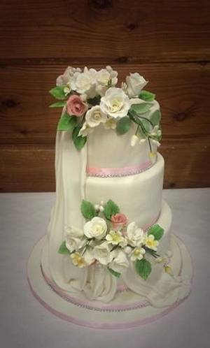 ivory and rose wedding cake - Cake by Witty Cakes