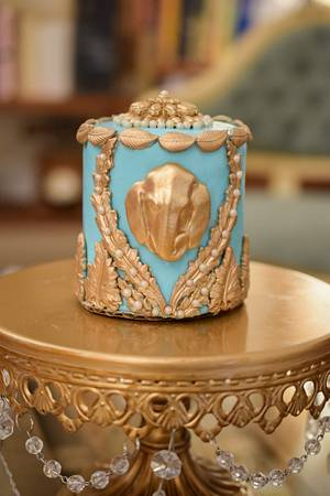 Indian inspired turquoise and gold mini cakes - Cake by Art Sucré by Mounia