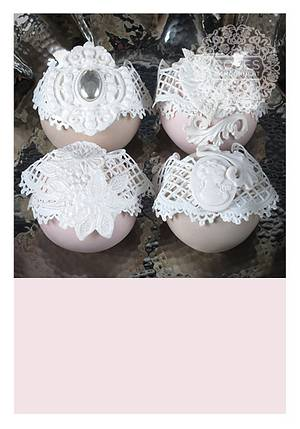 Sugar lace sphere cakes - Cake by Roses by Moonlight