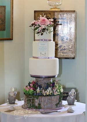 My daugthers Spring garden wedding cake  - Cake by Andrea