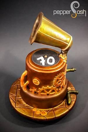 Steampunk Gramophone - Cake by Pepper Posh - Carla Rodrigues