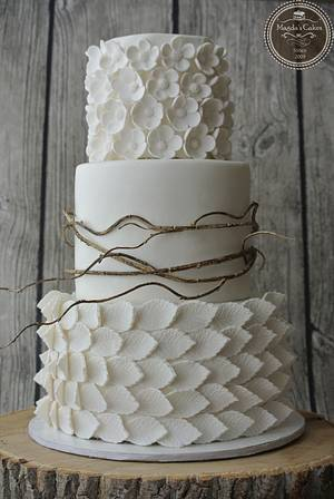 white wedding - Cake by Magda's cakes