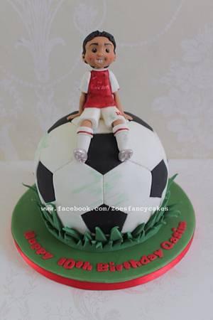 Football birthday cake - Cake by Zoe's Fancy Cakes