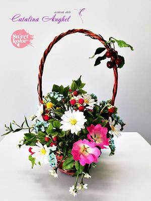 Summer sugar flowers and fruits basket - Cake by Catalina Anghel azúcar'arte