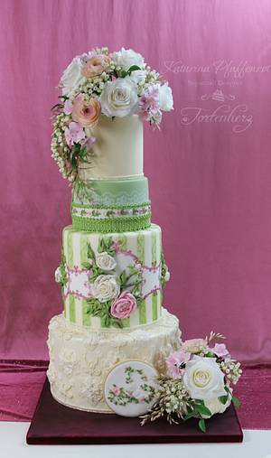"""Wedding cake """"Ribbons, laces and flowers"""" - Cake by Tortenherz"""