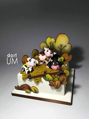 Cows family  - Cake by dortUM